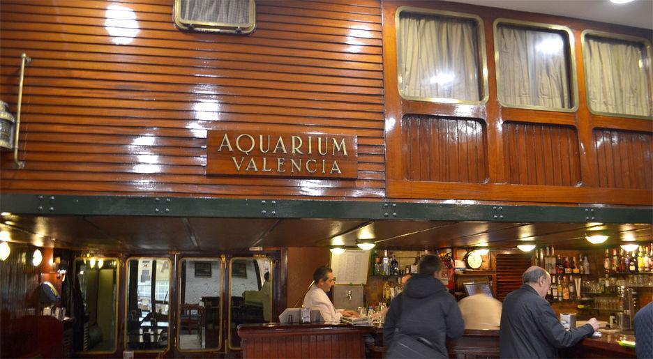 Un trago en aquarium la cocteler a de la valencia del for Aquarium valencia precio