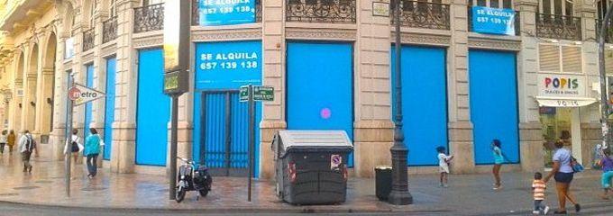 El valencia cf abre su primera tienda con restaurante en for Oficinas valencia cf
