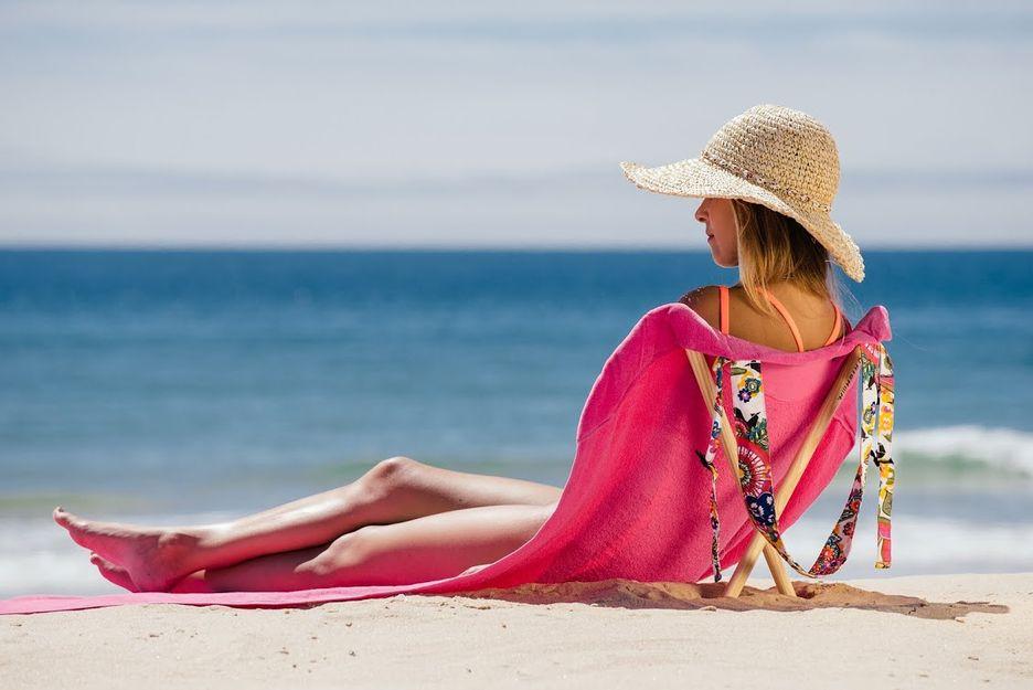 Emprendedores valencianos distribuir n en espa a la toalla for Tumbona playa decathlon