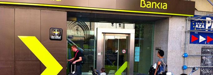 Los clientes de bankia podr n sacar dinero gratis en for Santander cajeros madrid