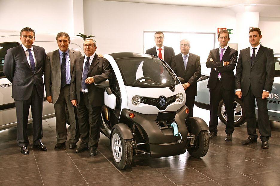 Renault ginestar abre dos nuevas instalaciones de torrent - Toyota pista silla ...