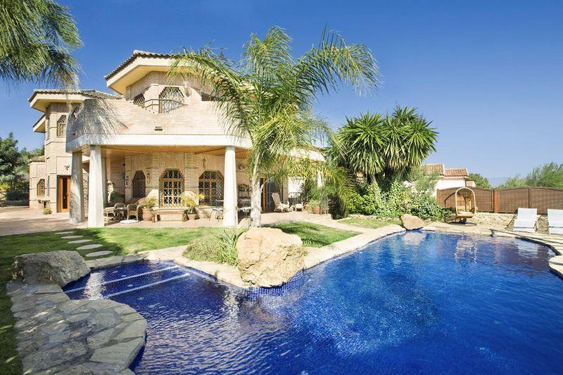 Las ventas de viviendas de lujo en valencia empiezan a dar for Mansiones de lujo en madrid