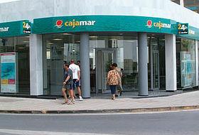 Cajamar inicia el recorte de su plantilla en 600 for Cajamar valencia oficinas